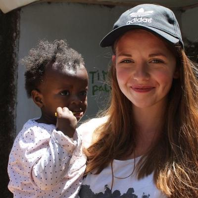 Julie T i Kenya.